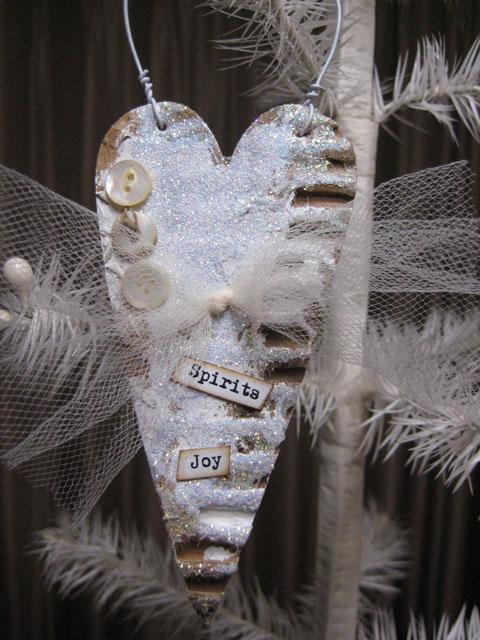 Xyron_Linda_Neff_Ornament_2012_Photo_2