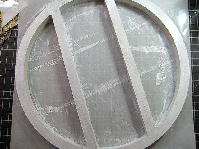 Kaisercraft Round Shadow Frame with a thin coat of gesso.