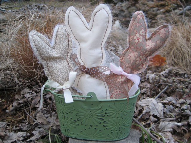 Xyron_Creatopia_fabric_bunnies_linda_neff_photo