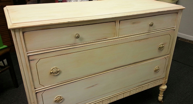 baby_dresser_redo_Green_Door_Studio_640